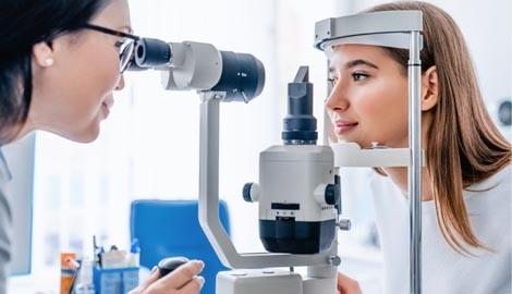 Когда не обойтись без помощи офтальмолога?